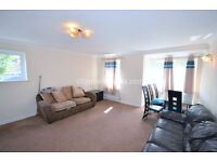 W4: Two Double Bedroom Two Bathroom Flat in Chiswick