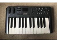 M Audio oxygen 25 key usb MIDI keyboard