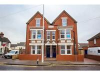 2 bedroom flat in Park Road, Sittingbourne