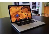 Apple MacBook Pro RETINA 15' 2.4Ghz i7 Quad Core 8Gb Ram 256GB SSD Vectorworks AutoCad Adobe CC 2017