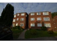 2 bedroom flat in Lime Tree Court The Avenue, Pinner, HA5