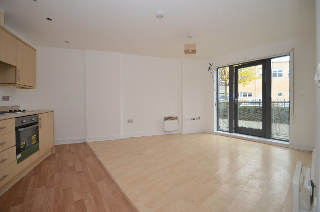 Stunning 2 bed property located in the hip Clapton area within walking distance from Clapton Station