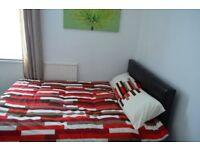 Female house share including bills - ensuire room huddersfield