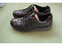 Black Ecco Girls shoes size 2.5