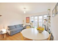 2 bedroom flat in Shalimar House, Vallance Road, Whitechapel, E1