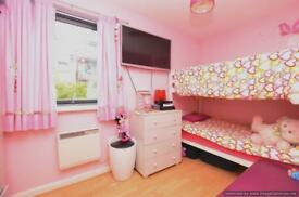 2 bedroom flat in London, England