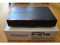 Pioneer F-676 Digital Synthesizer Tuner
