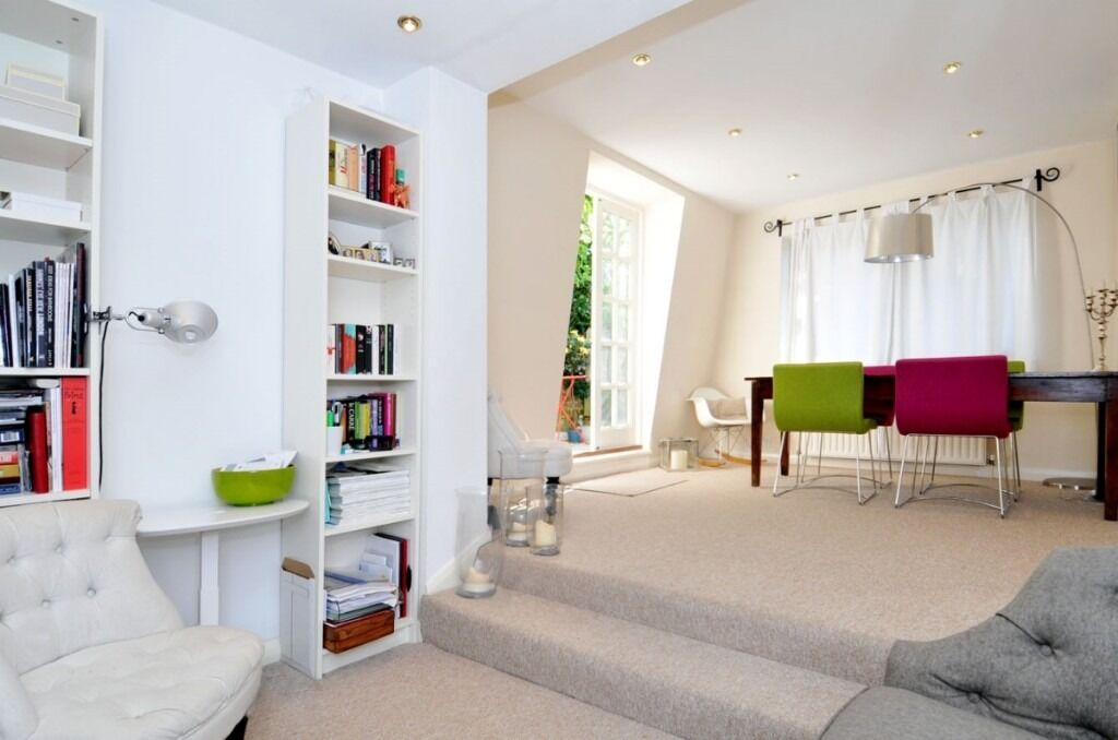 A modern two double bedroom flat located in the heart of Fulham Broadway, Barclay Road, SW6