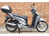 Honda SH 300 ABS, Pristine condition with ONLY 972 miles