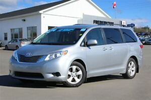 2015 Toyota Sienna LE! REDUCED! 8-SEATER! HEATED SEATS! BACKUP C