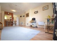2 Bedroom House to rent in Robson Close, Beckton, E6