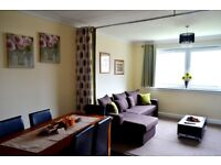 SHORT TERM LETS GLASGOW - CORPORATE CONTRACTORS WORKERS - 3 BEDROOM APARTMENT FREE WIFI AND PARKING