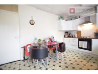 ISLINGTON N1 : Essex Road -- Amazing 3 Bed Apartment With Garden : £ 553pw -- N1 3RP