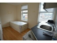 SINGLE STUDIO FLAT AVAILABLE NOW FOR 1 PERSON 10 MINUTES WALK TO WALTHAMSTOW CENTRAL