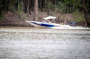 Tennessee 20S ski boat Roma Roma Area Preview