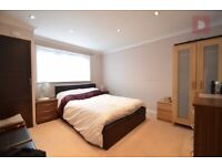 Spacious 3 Double Beds Mid-terraced House With Garden & Driveway- £1450 - Rainham - Available Now!