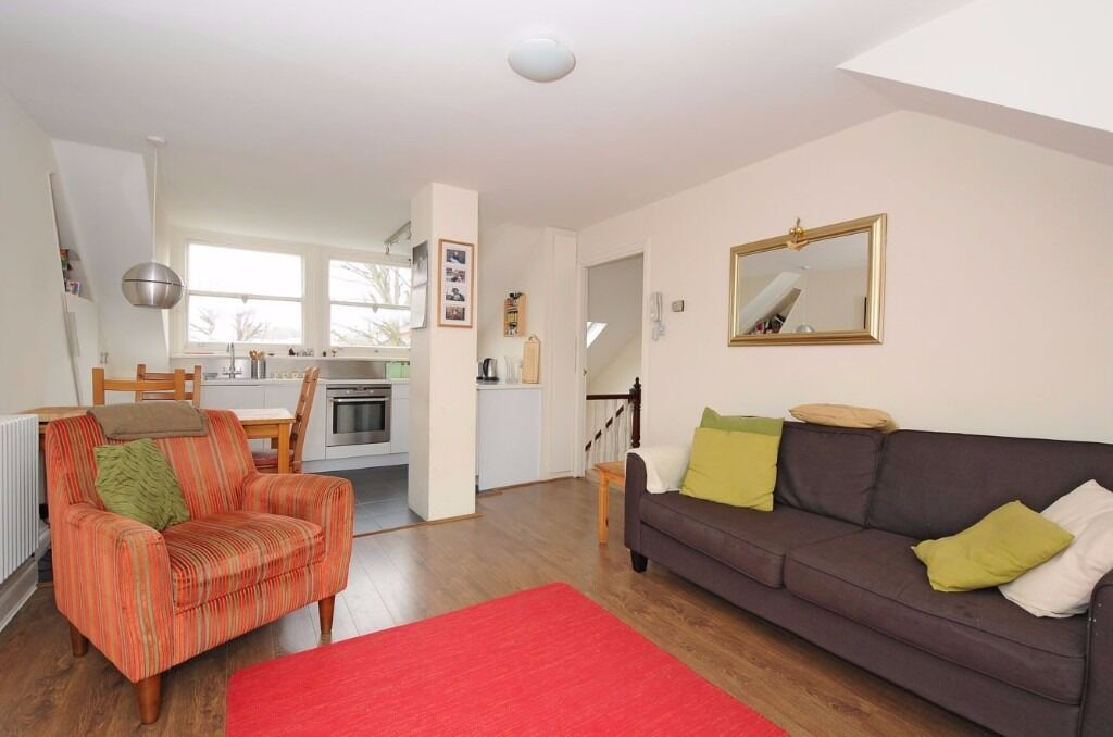 *** Beautifully presented two double bedroom period flat with roof terrace, Crouch Hill, N8 ***