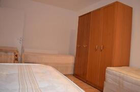 Roomshare boys £80 pw