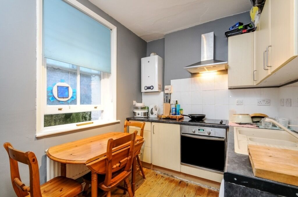 A charming one bedroom flat in an impressive Victorian mansion block, Greyhound Road, SW6