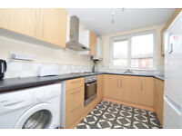 PRIMLOCATION! Lovely 2/3 bed house with a terrace for £1,500p/cm in the Heart of Dalston