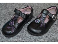 Clarks girls black patent shoes - size 6F