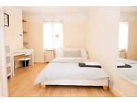 Lovely 2 bedroom apartment in Waterloo available for a short term let!! Call now to book a viewing!