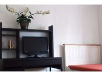 DBL RM in PERIVALE (central Line) Residential Area for Professional