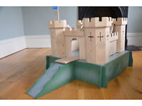 Pintoy Wooden Medieval Castle and moat