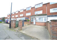 Gorgeous 5 Bed 2 Bath 3 WC Town House in Wlthamstaw - East London E17