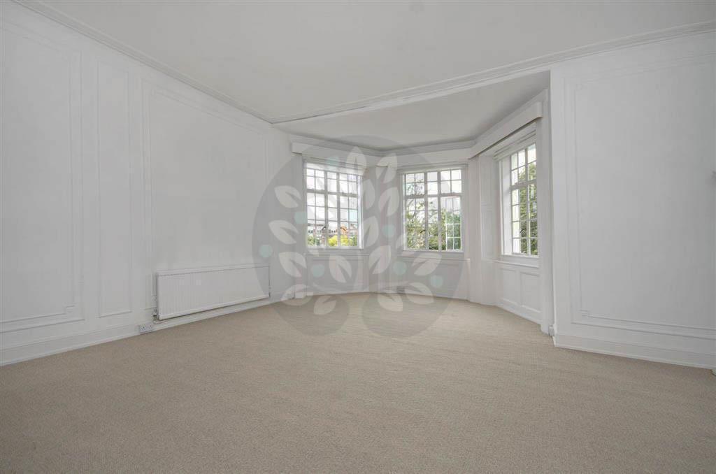 1 bedroom flat in Hamilton Terrace, St.Johns Wood