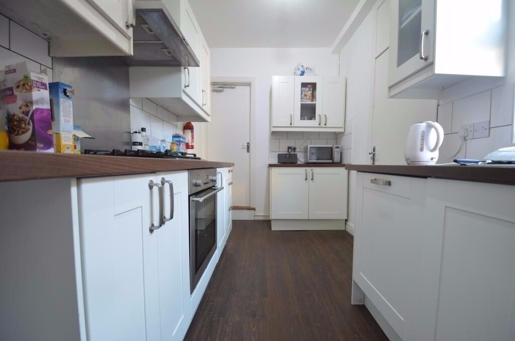 5 Double Bedroom Student House, 2 Bathrooms, Manilla Road, Selly Oak, Academic Year 2017 - 2018