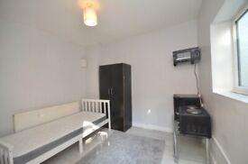 Small studio flat in Dulwich. All bills included Only £750pcm DSS/UNIVERSAL CREDIT WELCOME