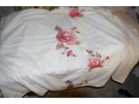 Almost new, Duvet cover and matching pillowcases.