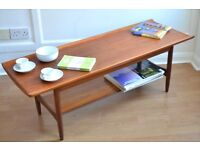 Vintage Danish two-tiered curved teak coffee table. Delivery. Modern / Midcentury style.