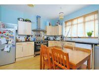 Garratt Lane - Three bed property to rent
