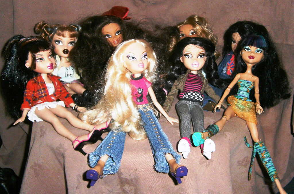A Selection of Bratz Dolls and 1 monster high doll £3.50 each
