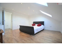 Stunning 6 Bedroom House + Garden Located in Leyton E10 7HR --- £692.30p/w --- Available 08/04/17!!!