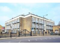 2 bedroom flat in Upton Ln, London, E7 (2 bed)