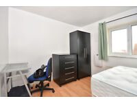 OUTSTANDING EN-SUITE DOUBLE ROOM TO RENT IN AN END TERRACE HOUSE IN THAMES-MEAD ---SE28 0LJ