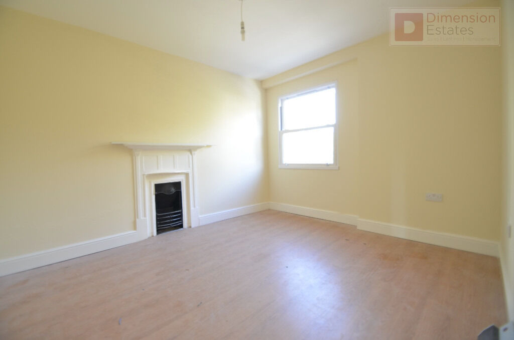 Fantastic 3 Bed Flat in Shadwell, Wapping, E1W - Available Now!
