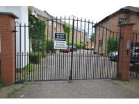 3 DOUBLE BEDROOMS IN VERY SPACIOUS PROPERTY***E1-GATED DEVELOPMENT**PRIVATE GARDEN AND CAR PARKING**