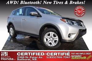 2015 Toyota RAV4 LE AWD Certified! AWD! Bluetooth! New Tires & B