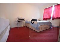 4 Bedroom House to rent in Eastern Avenue, Ilford, IG2