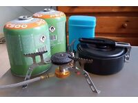 Stove + 1 and 1/2 gas canisters + cooking set