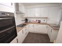 Amazing 3 bedroom house located in Purley