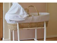 Moses basket with rocking stand, fitted sheet and pillow