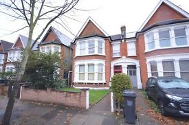 TOP FLOOR CONVERSION flat for rent ASAP in CATFORD, SE6 for £900 pcm with COMMUNAL GARDENS.