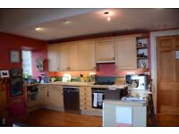 BEAUTIFUL QUALITY KITCHEN WALL UNITS WITH SOLID WOOD DOORS
