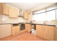Amazing 3 Bed Flat in Barking IG11 area - £1,450.00pcm - Call Now!