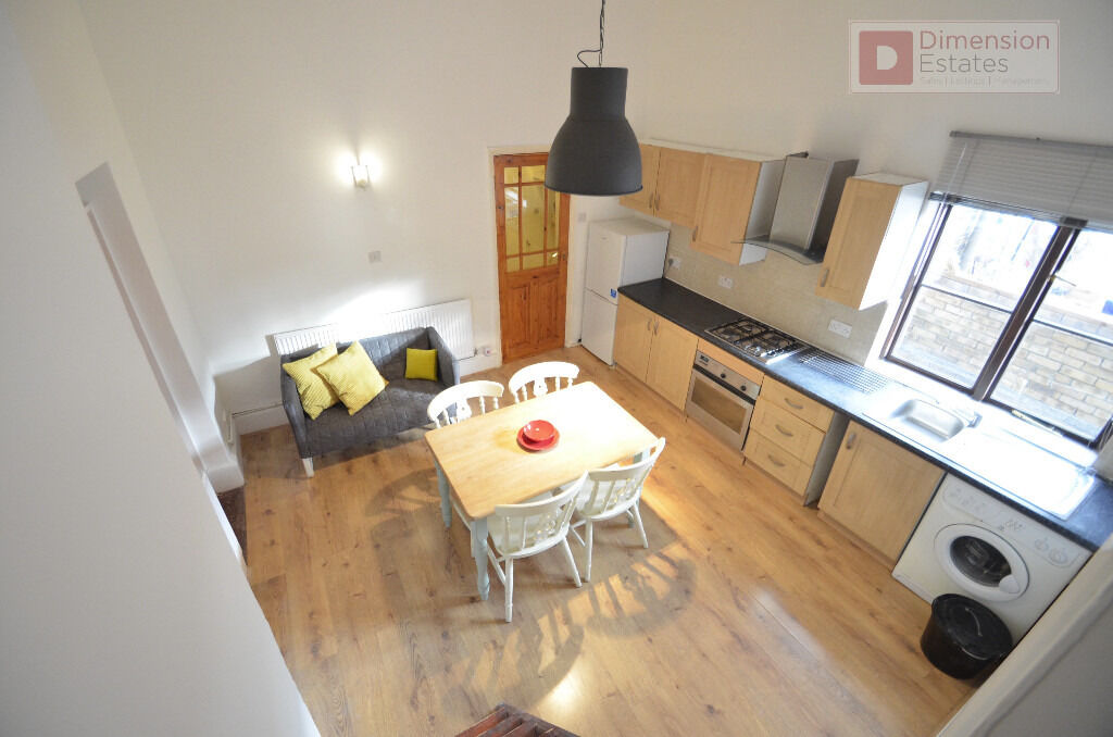 Stunning 2 Bedroom Flat in Dalston, London Fields, E8 - Shared Garden - Available Now!